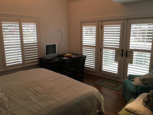 Blind Wizard - Plantation Shutters, Blinds, and Shades in West Virginia - Door and Window Shutter